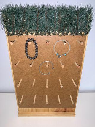 Expositor de madera para joyas