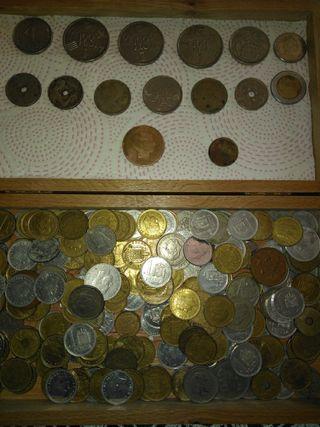 Billetes, monedas y más