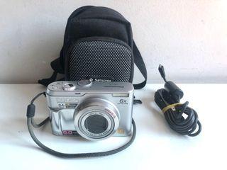Cámara de fotos Digital Panasonic con accesorios