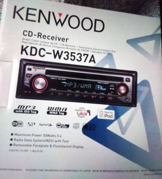Radio CD para coche. Modelo Kenwood KDC-W3537A.