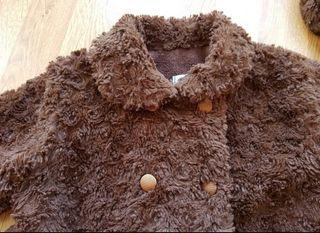 abrigo de pelo con capota 24 meses