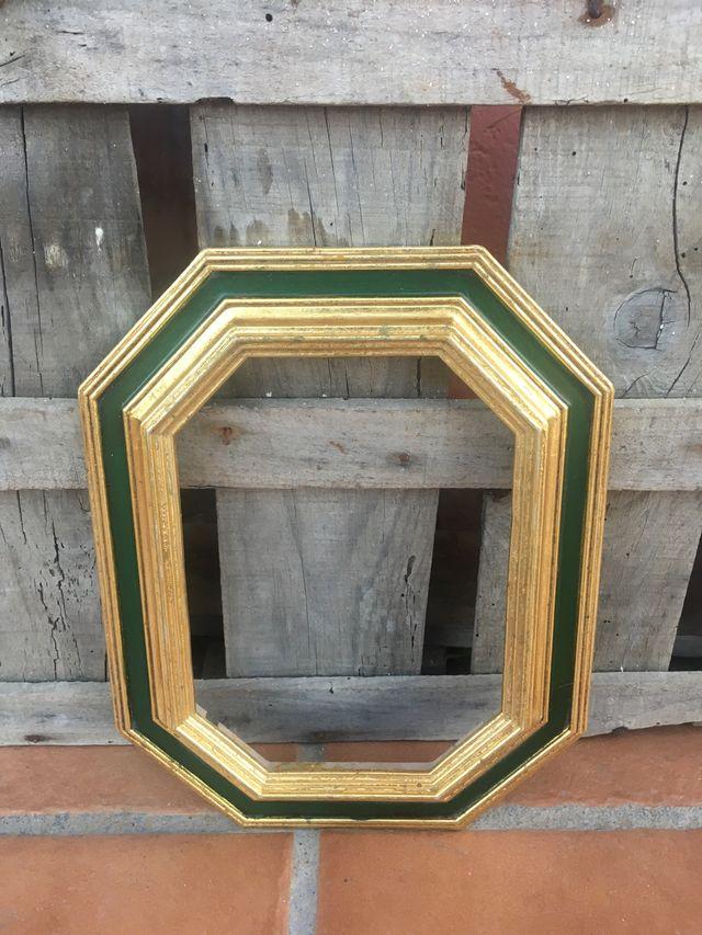 Marco octogonal dorado estilo antiguo MEDIANO