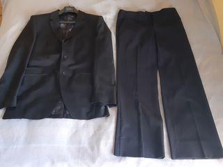 Traje negro Zara T48