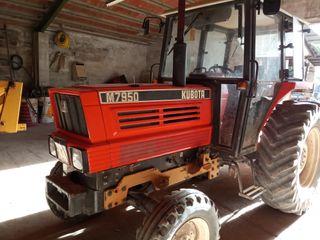 Tractor Kubota con pala