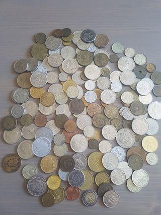 lote de 156 monedas extranjeras