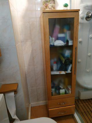 Armario y cajón madera baño