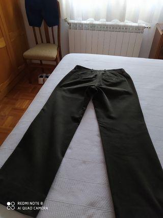 Pantalón caballero verde pana