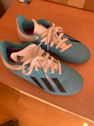 Botas fútbol de césped artificial