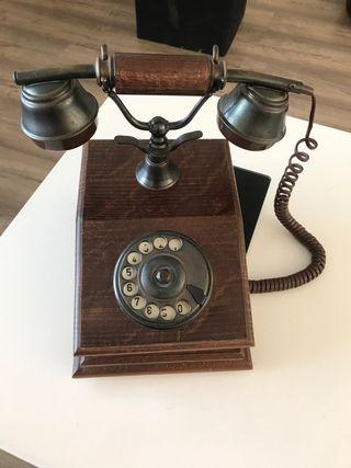 Teléfono de época, réplica