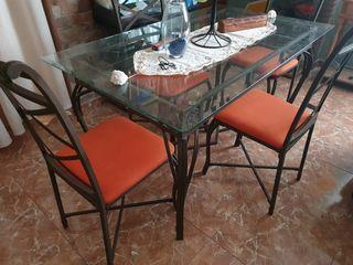 mesa forja y 4 sillas
