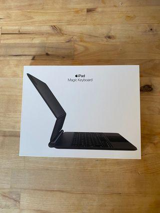 "Magic Keyboard iPad Pro 11"""