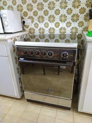 cocina de gas natural o butano y horno eléctrico