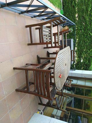 Mesa de jardín y sillas de teca