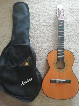 Guitarra cadete Marce