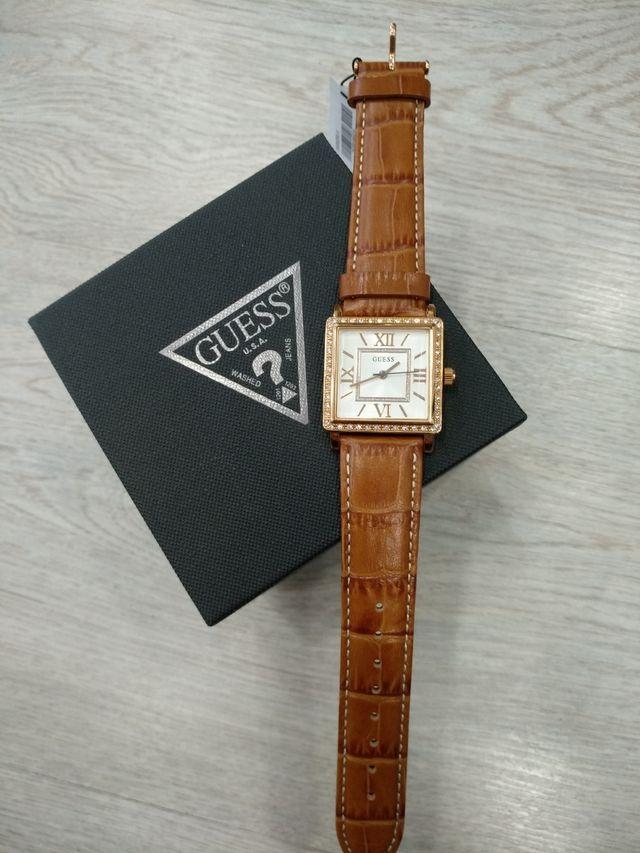 Reloj Guess mujer acero.