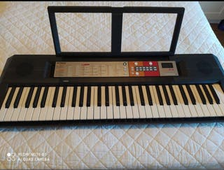 Teclado yamaha piano