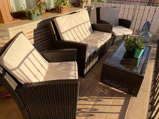 Conjunto muebles terraza jardín