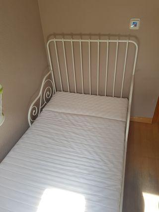 Cama extensible Ikea Minnen y colchón VIMSIG