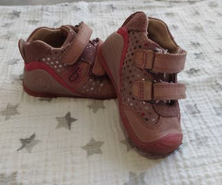 Zapatillas biomechanics niña talla 19