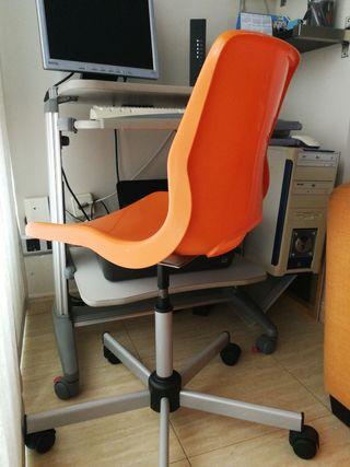 Silla escritorio Ikea.