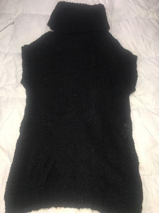 Vestido negro de lana de Stradivarius talla M