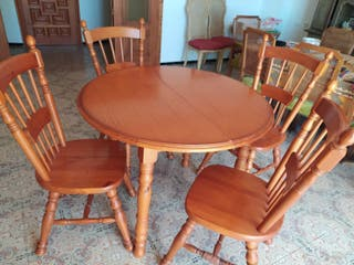 Mesa de Comedor + 4 sillas de madera