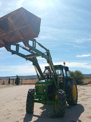 tractor con pala doble traccion