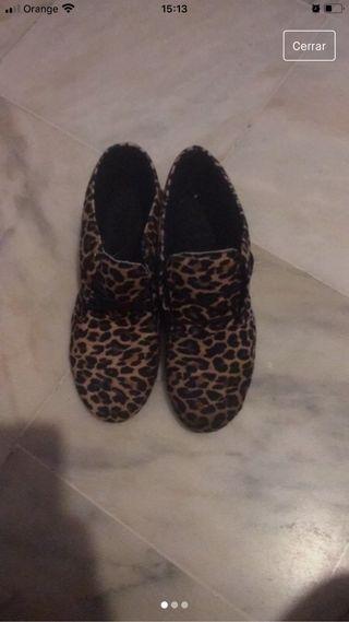 Botitas leopardo de cordones