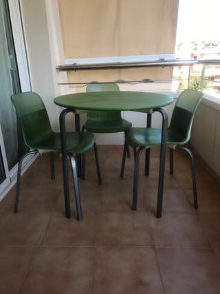 Pack de mesa y 4 sillas IKEA
