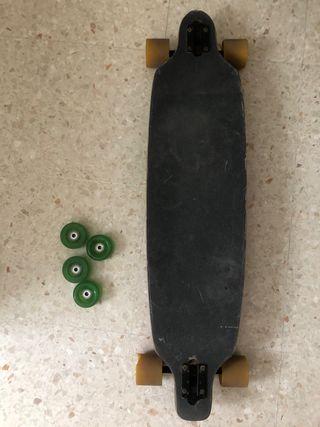 Longboard con ruedas de recambio