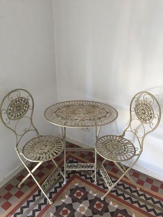 Mesa y dos sillas hierro forjado