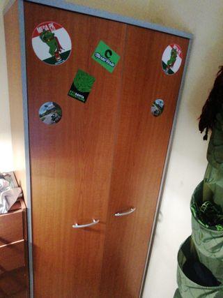 armario de ropa