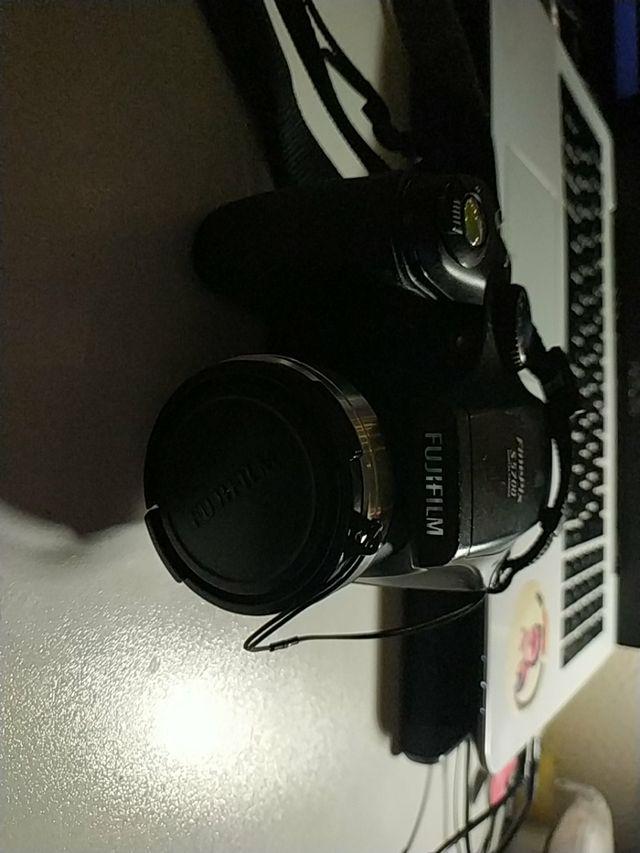 Cámara Fujifilm S5700