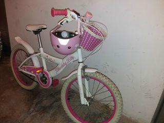 Bicicleta niña, regalo casco.