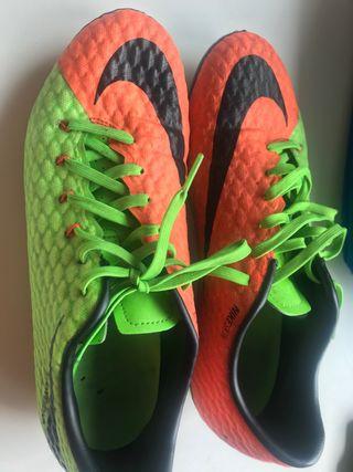 Botas Nike fútbol