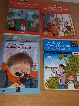 4 libros infantiles.