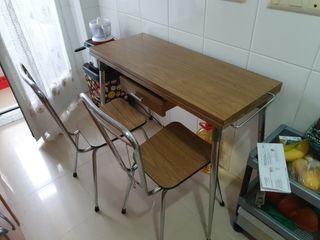 mesa con 2 sillas plegable