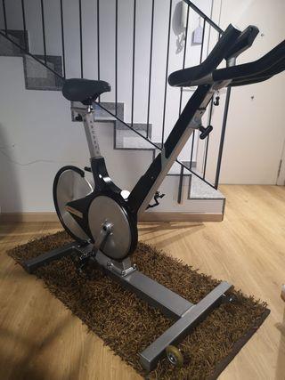 Bicicleta spinning profesional Keiser m3