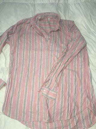 Camisa de raya de Stradivarius talla M