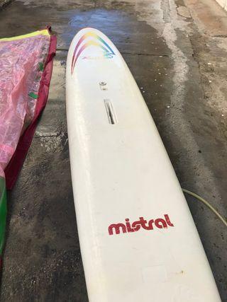 Tabla de iniciación al windsurf o pádel surf