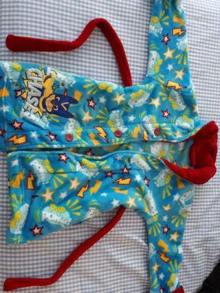 bata albornoz pijama mask