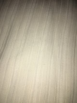 Jersey beige de Stradivarius talla L