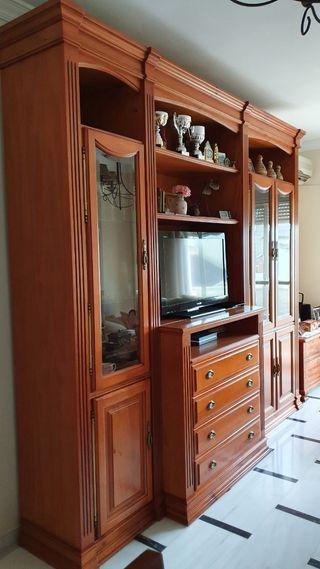 Mueble comedor, boiserie, de madera de cerezo.