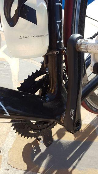vendo bicicleta de carretera de carbono