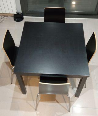Mesa Ikea Extendible con 4 sillas