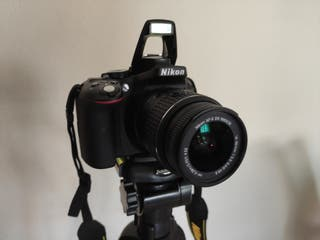 Cámara Réflex Nikon D5300 de 24.2 MP - Como Nueva