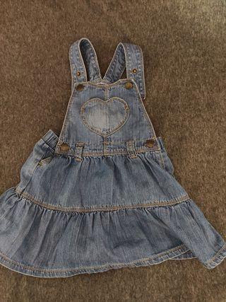 vendo vestido tejano / short niña 18-24m