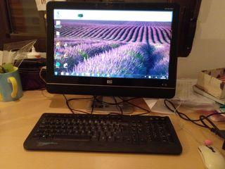 ordenador HP de mesa ,todo en pantalla