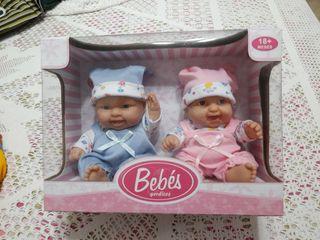 Pareja de bebés (muñequitos)
