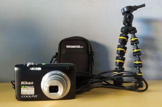 Cámara de fotos digital Nikon S2800